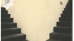 """Carton d'invitation de l'exposition """"Une énigme insoluble"""" - Masao Yamamoto, Nakazora N° 1175."""